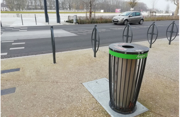 Easy litter bins in Angers (France)
